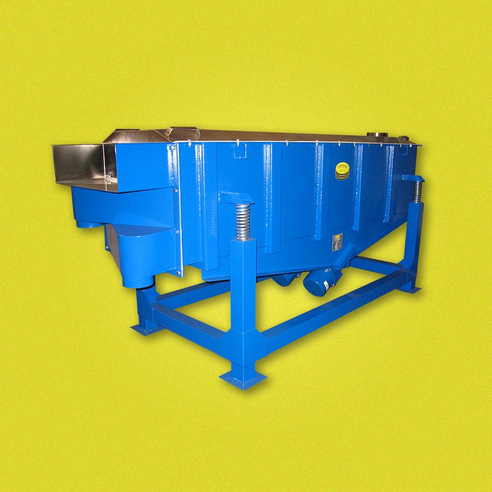 ERIMAKI produce e vende vibrovagli rettangolari e tavole vibranti adibiti alla setacciatura e al trasporto di materiali solidi e liquidi